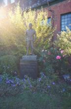 Statue of James Henry Jimmy Van Alen Founder of International Tennis Hall of Fame & Museum.jpg