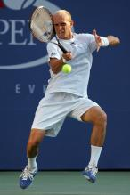 nikolay davydenko forehand right after contact.jpg