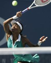 venus williams forehand follow-through.jpg