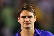 Roger Federer is about to shed tears after losing the 2009 Australian Open.jpg