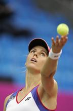 Elena Dementieva ball toss on her serve.jpg