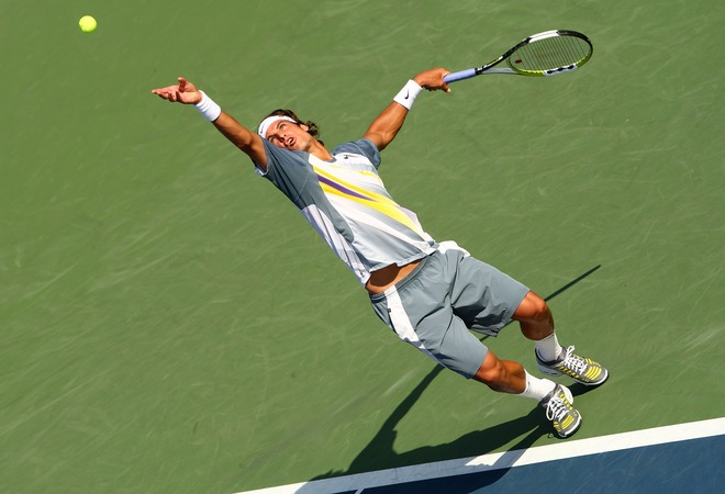 feliciano lopez serve toss and windup 2.jpg